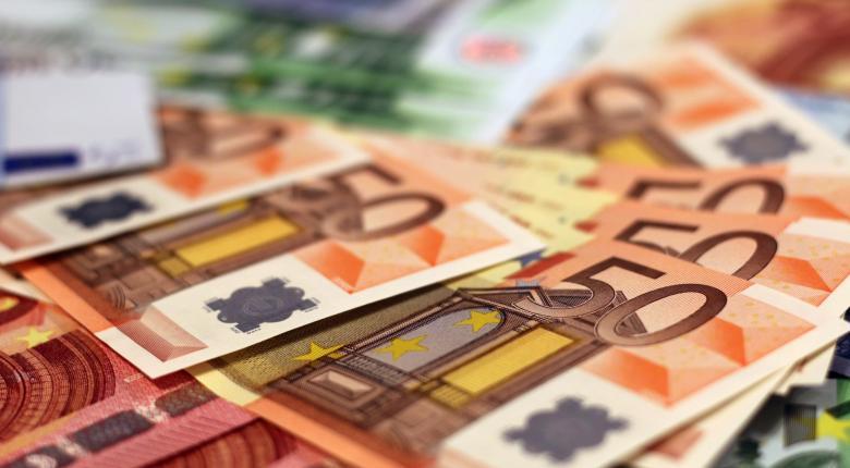 Ελεύθεροι επαγγελματίες: Ποιοι ΚΑΔ θα λάβουν ειδική αποζημίωση ως 800 ευρώ