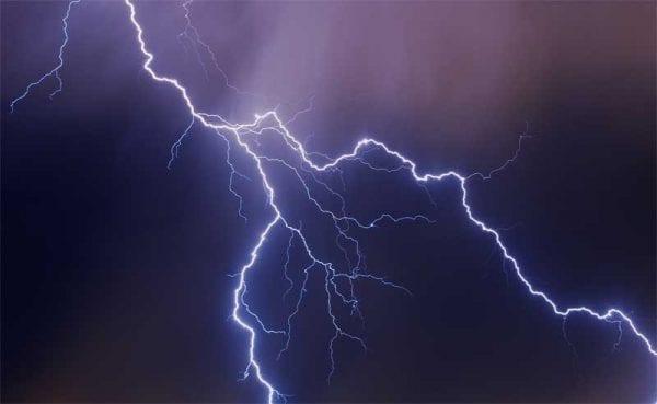 Καιρός: Έρχονται βροχές και καταιγίδες με πολλούς κεραυνούς 3