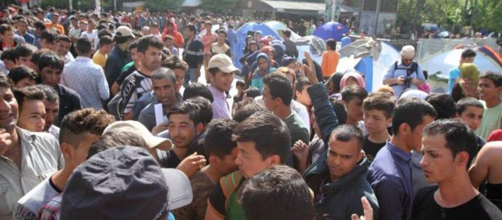 Χαμός στην Μόρια: Αλλοδαποί παράνομοι μετανάστες εισβάλουν σε σπίτια και χτυπάνε κατοίκους