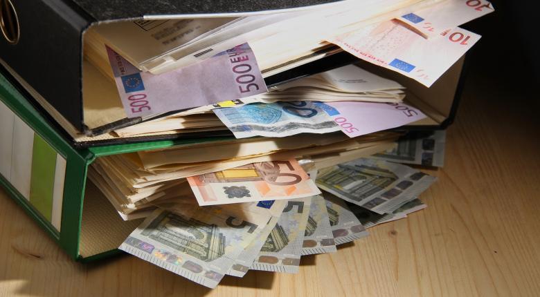 Ψηφίζεται σήμερα το νομοσχέδιο για τις μικροχρηματοδοτήσεις - Ποιοι και πώς θα λάβουν ως 25.000 ευρώ