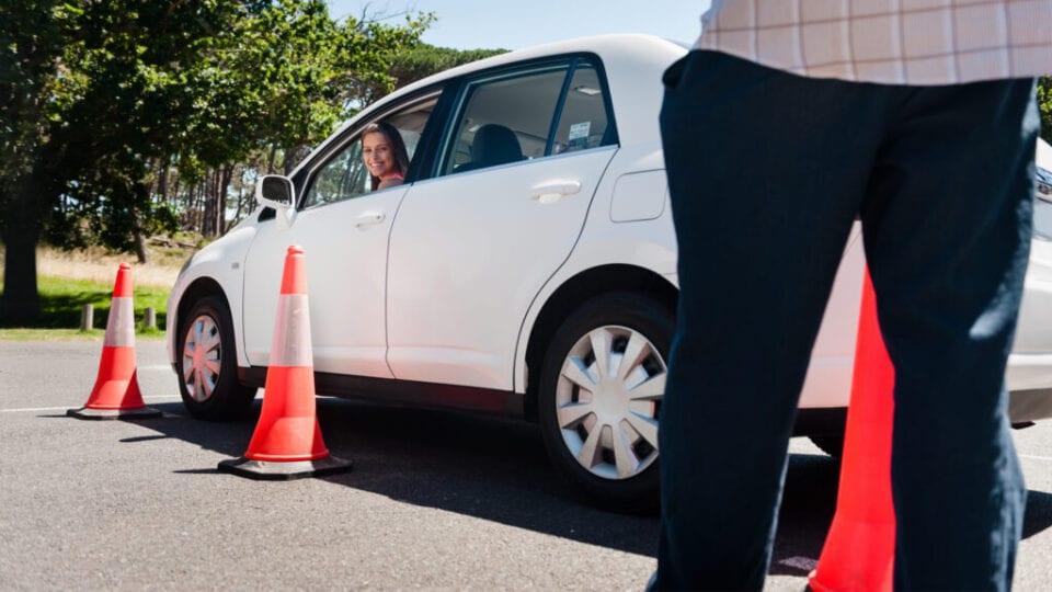 Δυνατότητα χρήσης μισθωμένων οχημάτων από τις Σχολές Οδηγών