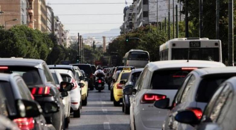 Έρχονται τέλη κυκλοφορίας με το μήνα χωρίς πρόστιμο - Τι προβλέπει νομοσχέδιο του ΥΠΟΙΚ