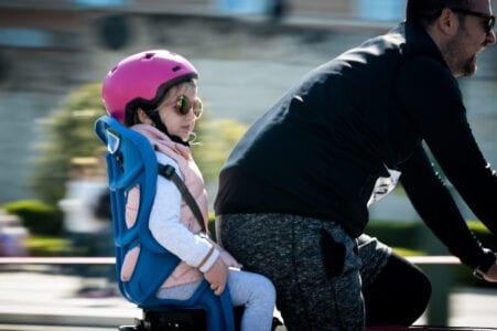 ΚΟΚ: Κράνος για τους ποδηλάτες, μείωση ταχύτητας στις κατοικημένες περιοχές - Τι αλλάζει