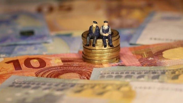 Συντάξεις: Ποιοι θα λάβουν αναδρομικά έως 11.000 ευρώ