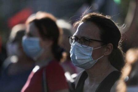 Παπαθανάσης στο MEGA: Δεν υπάρχει αυτή τη στιγμή σκέψη για γενικευμένη χρήση μάσκας