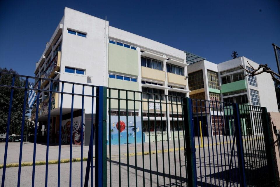 Κεραμέως: Ανοιχτά όλα τα ενδεχόμενα για τον τρόπο επαναλειτουργίας των σχολείων