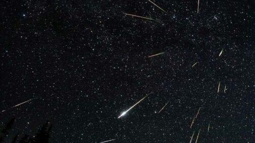 """Περσείδες: Απόψε κοιτάξτε τον ουρανό - Η πιο εντυπωσιακή """"βροχή"""" αστεριών"""