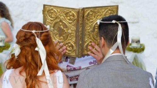 Εκκλησία: Πότε δεν επιτρέπει γάμους & βαπτίσεις -Τι ισχύει με το όριο των 100 ατόμων