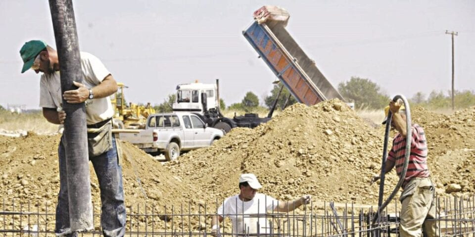 Καύσωνας: Τι προβλέπεται για τους εργαζόμενους σε Δημόσιο, ΟΤΑ (έγγραφα)