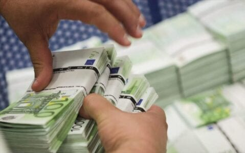 Έρχεται φθινοπωρινό πακέτο μέτρων ύψους 2,4 δισ. ευρώ