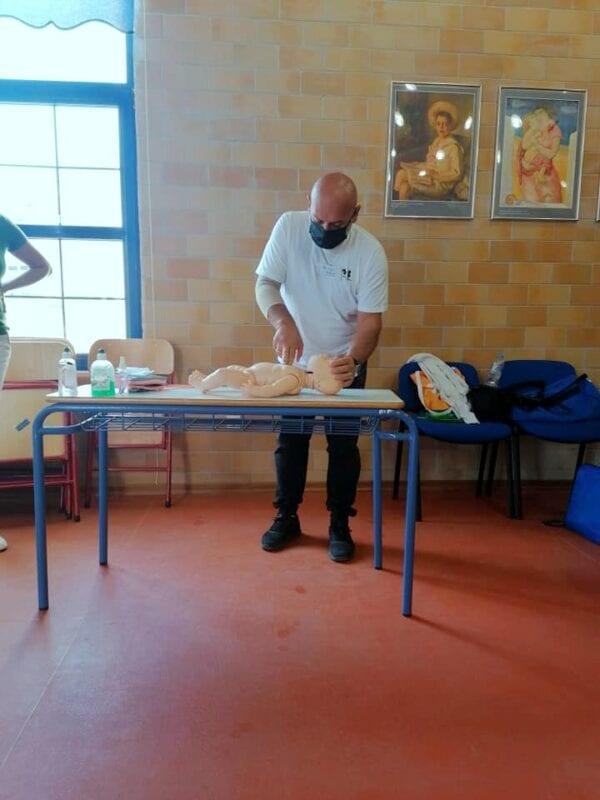 Μέλη της Εθελοντικής Διασωστικής Ομάδας Πτολεμαΐδας εκπαιδεύτηκαν και πιστοποιήθηκαν ως εκπαιδευτές, από το Ευρωπαϊκό Συμβούλιο Αναζωογόνησης , στην Παιδιατρική Βασική Υποστήριξη της Ζωής (φωτογραφίες) 41