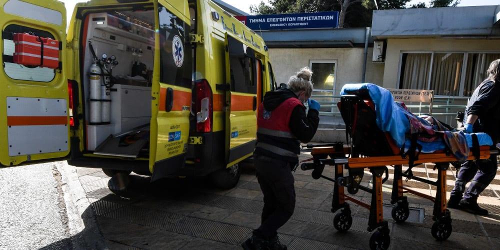 Στο νοσοκομείο μαθητής μετά από υπερβολική κατανάλωση αλκοόλ σε κατάληψη