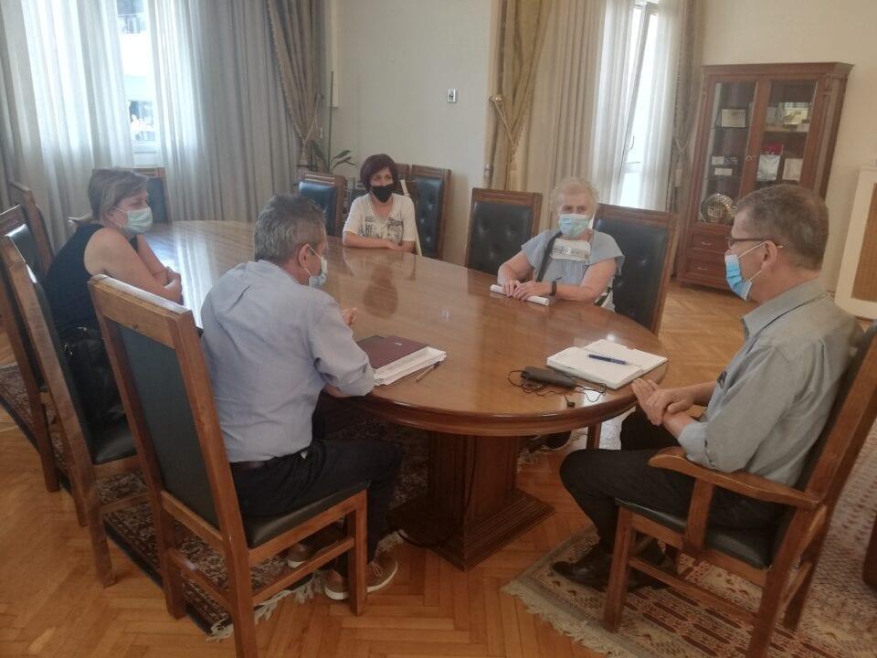 Δήμος Κοζάνης: Κοινός αγώνας αυτοδιοίκησης και εργαζομένων για ενίσχυση της καθαριότητας των σχολικών μονάδων και βελτίωση των συνθηκών εργασίας 1
