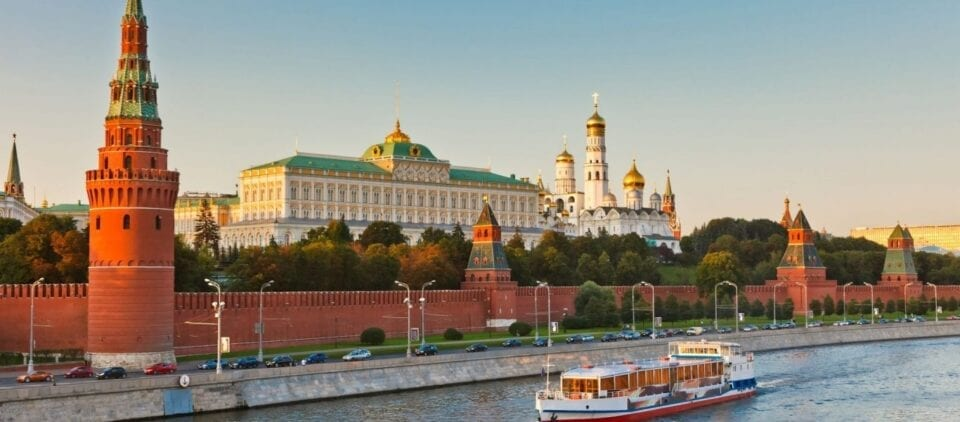 Η Μόσχα για πρώτη φορά ζητεί από την Αθήνα να ξεκαθαρίσει «αν είναι εναντίον της Ρωσίας ή όχι»