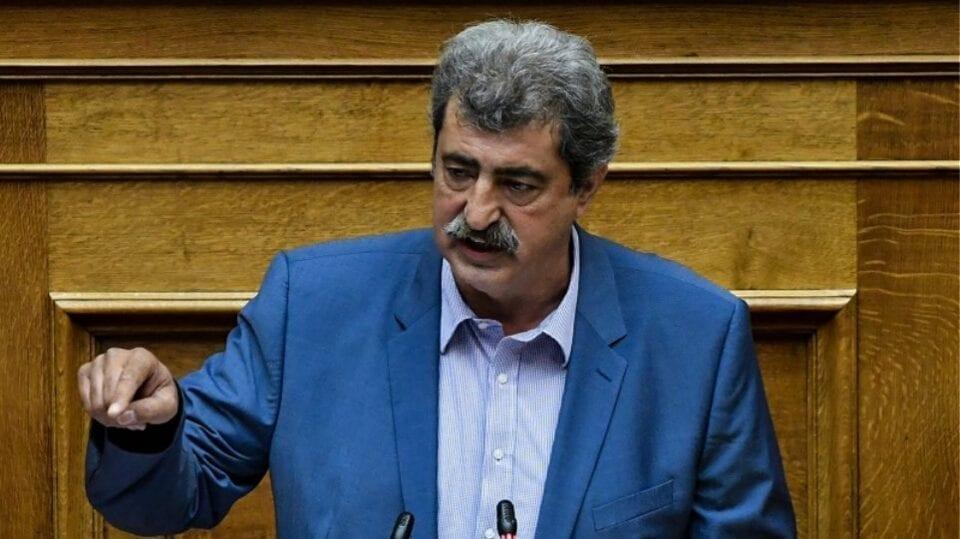 Η Επιτροπή Δεοντολογίας της Βουλής εισηγήθηκε την άρση ασυλίας του πρώην αναπληρωτή υπουργού Υγείας, μετά από μήνυση για συκοφαντική δυσφήμιση. Την άρση ασυλίας του πρώην αναπληρωτή υπουργού Υγείας και βουλευτή του ΣΥΡΙΖΑ Παύλου Πολάκη, αποφάσισε κατά πλειοψηφία να εισηγηθεί στην Ολομέλεια η Επιτροπή Δεοντολογίας της Βουλής. Όπως αναφέρει το Αθηναϊκό Πρακτορείο Ειδήσεων, υπέρ της άρσης ασυλίας του κ. Πολάκη, η υπόθεση του οποίου αφορά τη μήνυση που κατέθεσε εναντίον του για συκοφαντική δυσφήμιση ο εκδότης των Παραπολιτικών Γιάννης Κουρτάκης, τάχθηκαν ΝΔ και Ελληνική Λύση ενώ το ΚΙΝΑΛ δήλωσε «παρών» και ΣΥΡΙΖΑ, ΚΚΕ και ΜεΡΑ25 καταψήφισαν. Τις επόμενες μέρες η Ολομέλεια της Βουλής θα αποφασίσει επί της εισήγησης της Επιτροπής Δεοντολογίας.
