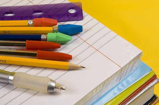 Viral στα social: Μετά τις μάσκες & δωρεάν μολύβια στα σχολεία (φωτο)