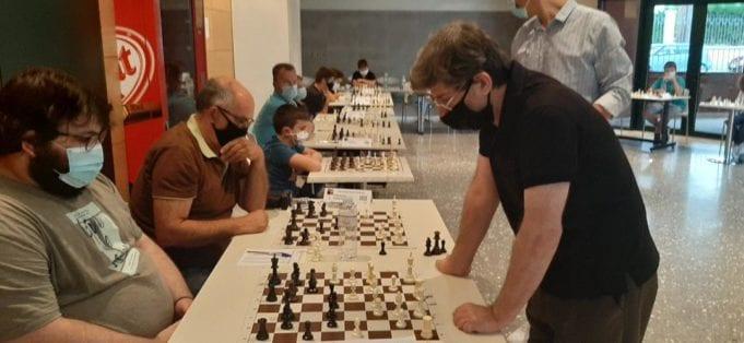 Κοζάνη: Ο κορυφαίος Έλληνας σκακιστής σε μια παρτίδα με 24 αντιπάλους