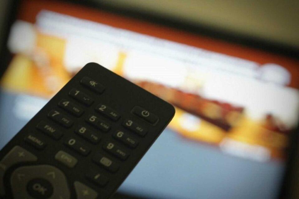 Τέλος συνδρομητικής τηλεόρασης: Αναστέλλεται για ένα χρόνο το χαράτσι 10%
