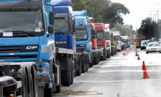 Σε κινητοποιήσεις προχωρούν οι ιδιοκτήτες φορτηγών δημοσίας χρήσης του Δήμου Ελλησπόντου.