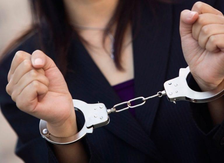 Η εγγονή του Παπαστράτου πλήρωσε 13 εκ. ευρώ για να της «λύσουν τα μάγια»
