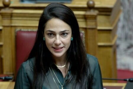 Δ. Μιχαηλίδου: 300 εκατ. ευρώ για επιδόματα/ επιδότηση 100.000 νέων θέσεων εργασίας