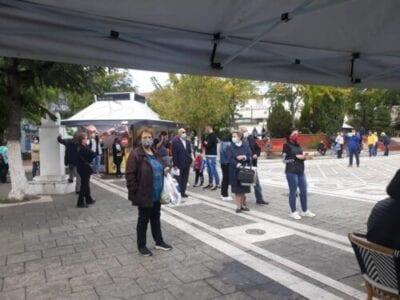 Τεστ ταχείας ανίχνευσης του κορονοιού SARS-COV2 (Rapid test) στην κεντρική πλατεία Πτολεμαιδας (φωτο)