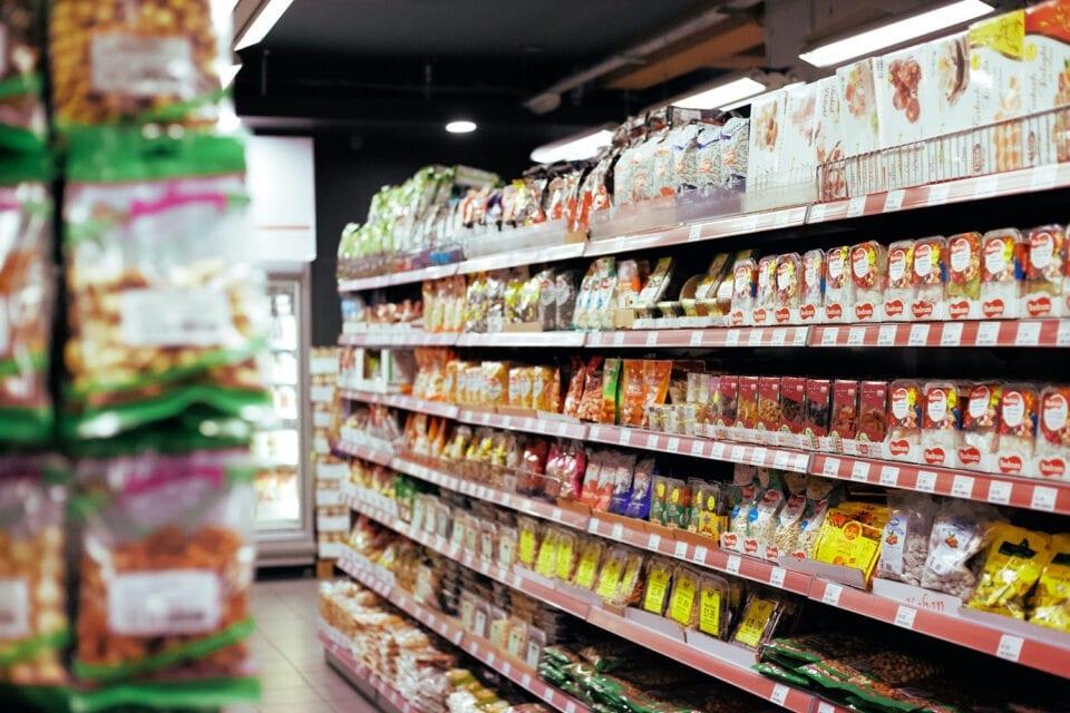 Άνδρας στη Σάμο έγλειψε παιδικό γιαούρτι σε σούπερ μάρκετ και το έβαλε ξανά στο ψυγείο