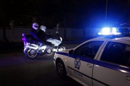 Θεσσαλονίκη: Ιδιοκτήτης μπαρ που δούλευε μετά τα μεσάνυχτα κλείδωσε την πόρτα για να μην τον γράψει η Αστυνομία