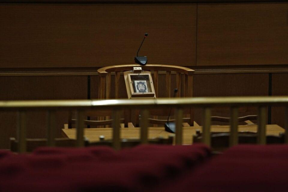 Τροπολογία άρσης ποινικής δίωξης αιρετών: Έρχεται διορθωτική διάταξη μετά το σάλο