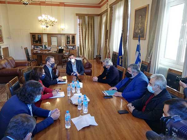 Ο Αλέξης Τσίπρας έφτασε στην Κοζάνη-Ξεκίνησε η σύσκεψη με τους πέντε δημάρχους της Π.Ε. 51
