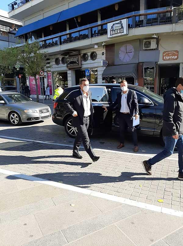 Ο Αλέξης Τσίπρας έφτασε στην Κοζάνη-Ξεκίνησε η σύσκεψη με τους πέντε δημάρχους της Π.Ε. 56