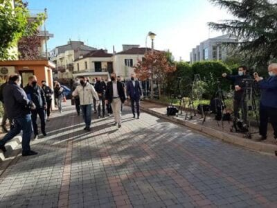 Έφτασε στην Κοζάνη ο Νίκος Χαρδαλιάς – Ξεκινά η σύσκεψη των φορέων