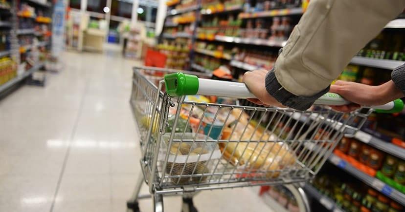 Καραντίνα: Μόνο είδη πρώτης ανάγκης από τα σούπερ μάρκετ – Stop στην πώληση βιβλίων, ρούχων, υποδημάτων