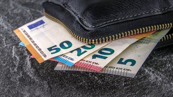 Έκτακτη ενίσχυση 700 ευρώ για τους μαθητευόμενους των ΙΕΚ και ΕΠΑΛ - Οι δικαιούχοι και τα δικαιολογητικά