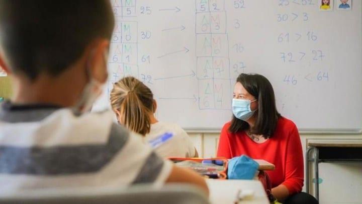 Ποια σχολεία θα ανοίξουν πρώτα - Τι αναφέρει η Κεραμέως για τηλεκπαίδευση, tablets και απουσίες