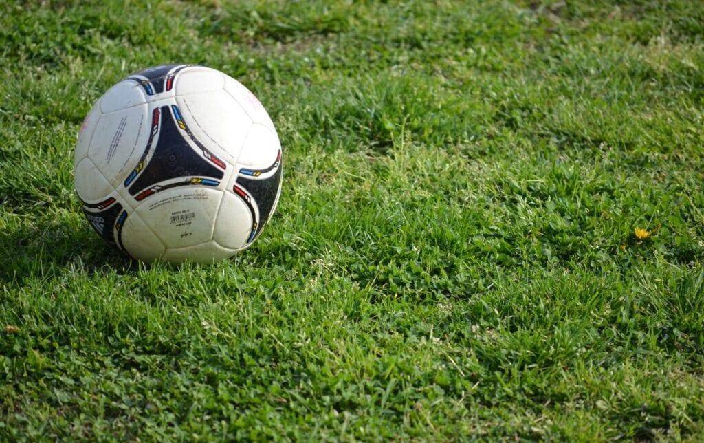 Αγώνας ποδοσφαίρου έληξε σε…9 δευτερόλεπτα