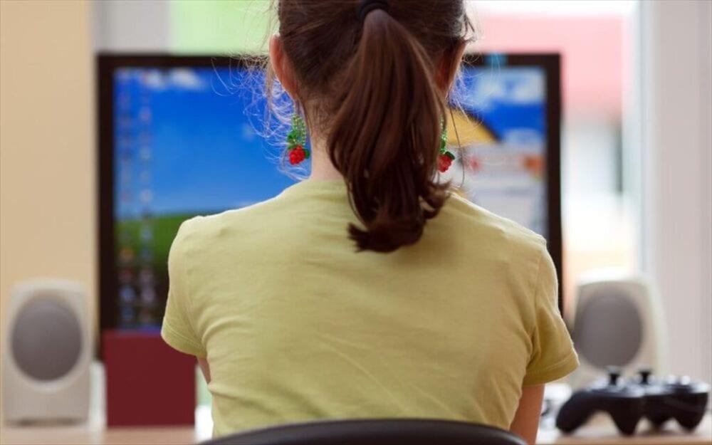 Τηλεκπαίδευση: Το ωρολόγιο πρόγραμμα σε γυμνάσια, λύκεια -Απουσίες στους μαθητές που δεν παρακολουθούν (ΦΕΚ)