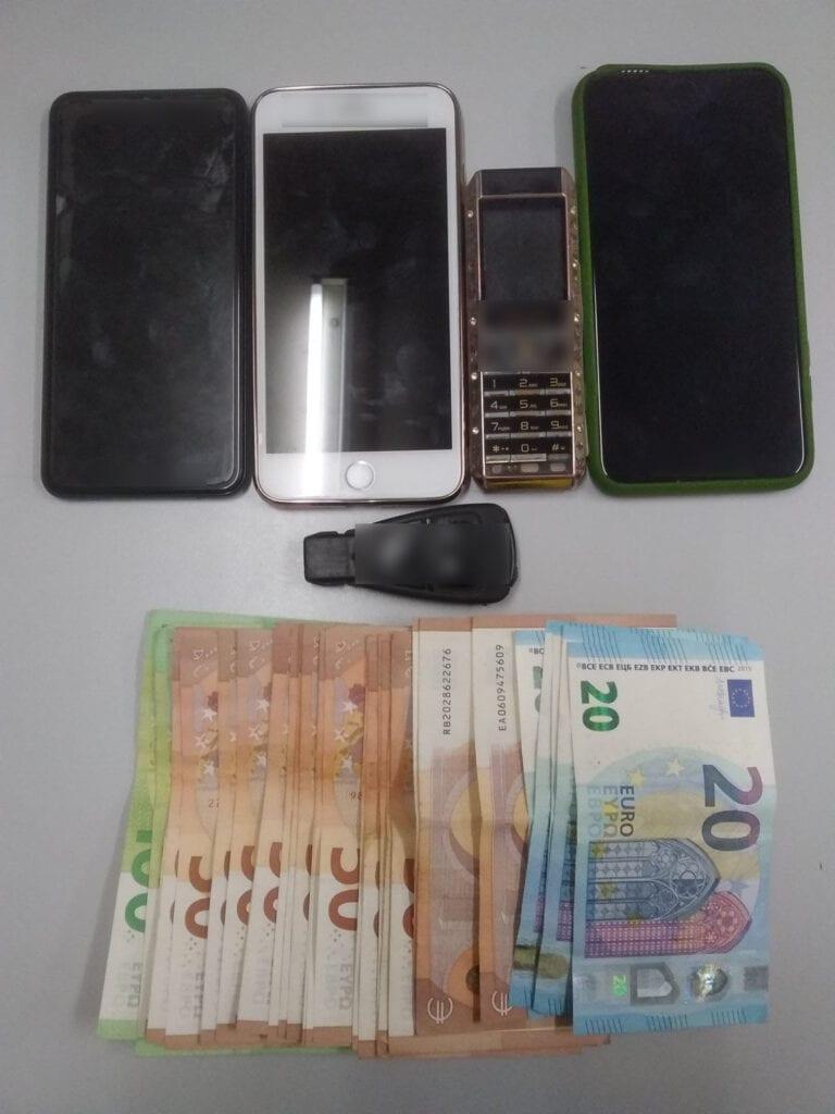 Από αστυνομικούς του Τμήματος Ασφάλειας Φλώρινας συνελήφθη 23χρονος για παράνομη μεταφορά αλλοδαπών σε περιοχή της Κοζάνης