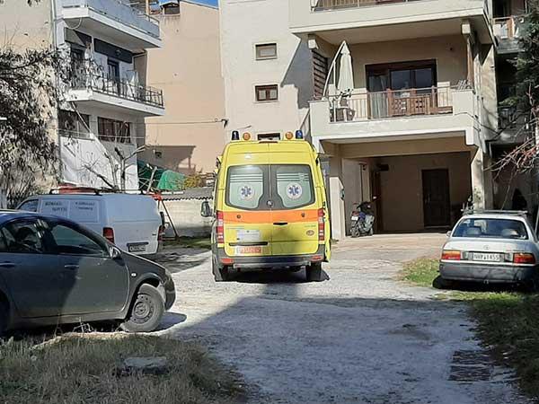 Μεγάλη αστυνομική επιχείρηση για τη διάσωση 49χρονου άντρα στην Κοζάνη – Απειλούσε ότι θα πέσει από το μπαλκόνι 12
