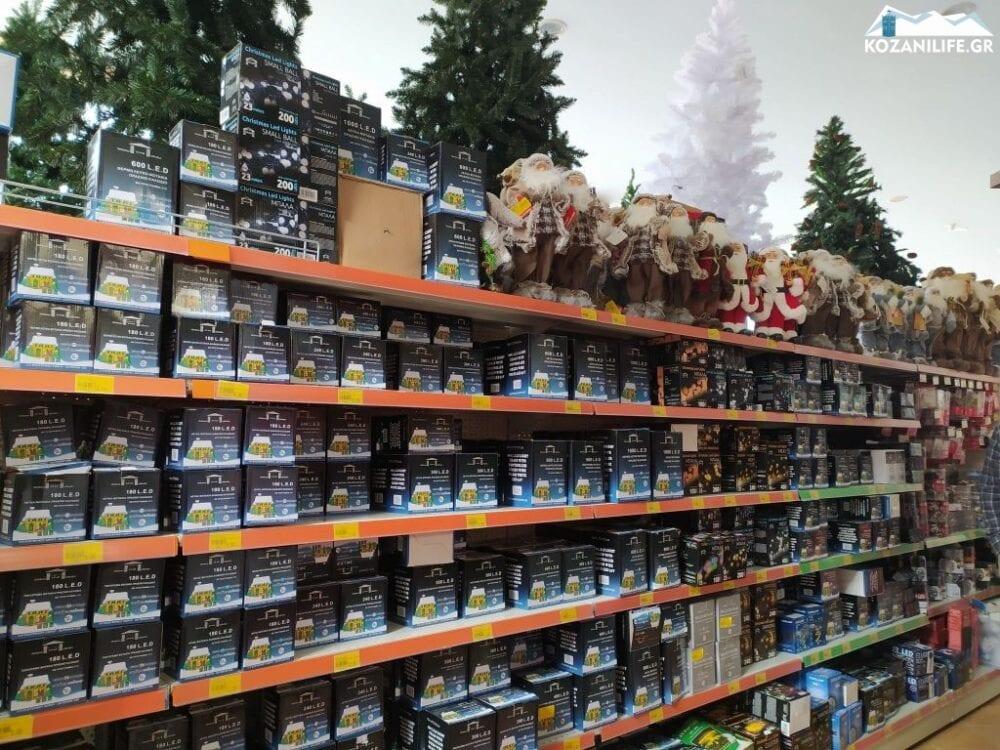 «Χτύπημα» Άδωνη στα μικρά καταστήματα: «Βοηθάει τα σούπερ μάρκετ», καταγγέλλουν οι έμποροι