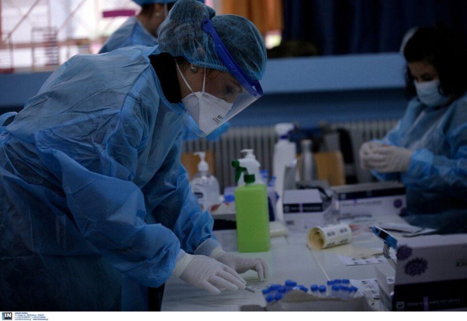 Κρούσματα σήμερα: 25 θάνατοι σε μια μέρα, 340 διασωληνωμένοι, η ανακοίνωση του ΕΟΔΥ