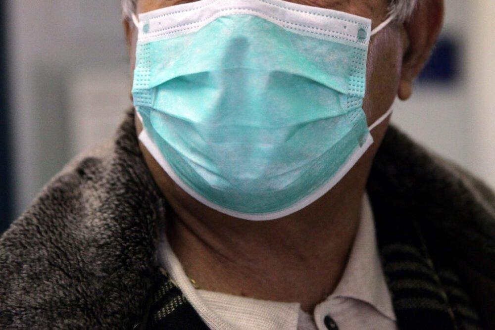Πελώνη: Σήμερα η απόφαση για το πότε «πέφτουν» οι μάσκες σε εξωτερικούς χώρους