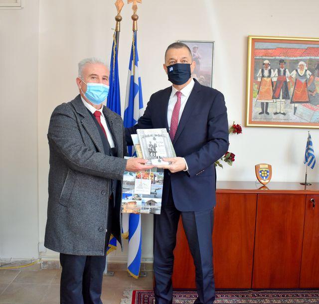 ×Συνάντηση του Αντιπεριφερειάρχη Φλώρινας με τον Υφυπουργό Εθνικής Αμύνης κ. Αλκιβιάδη Στεφανή