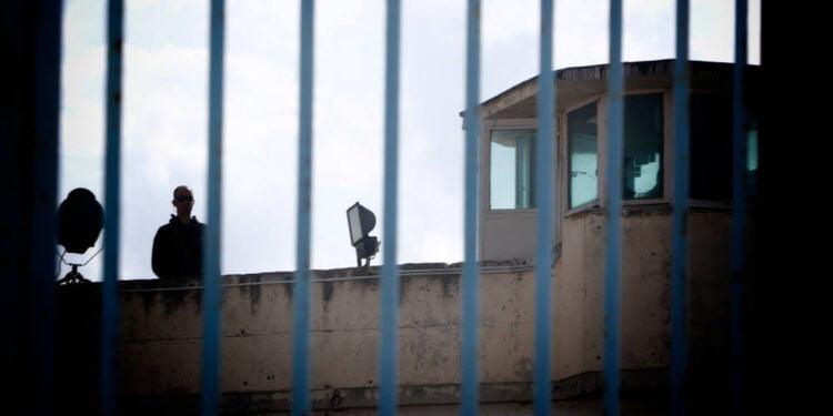 αποφυλακίστηκε μέλος της χρυσής αυγής: έμεινε στη φυλακή μόλις 4 μήνες