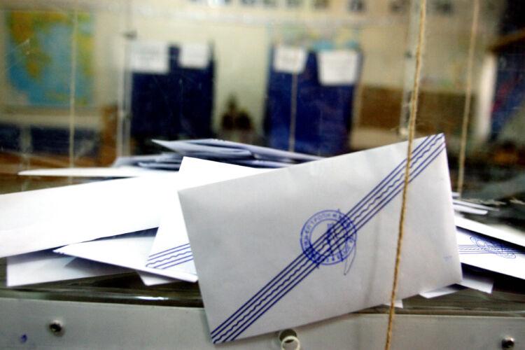 Εκλογές: Ο εμβολιασμός κρίνει την ημερομηνία -Σενάρια για κάλπες ακόμη & το καλοκαίρι