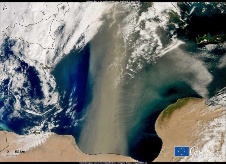 Σύννεφο σκόνης 800 χιλιομέτρων από την Αφρική «καταπίνει» Ελλάδα και Βαλκάνια