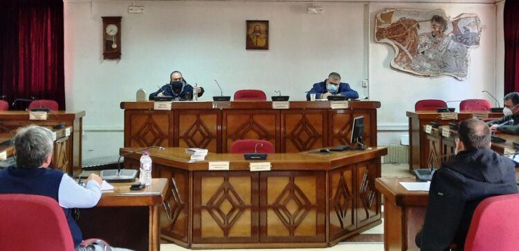 Σύσκεψη Δημάρχου Εορδαίας και Αντιπεριφερειάρχη Περιφερειακής Ανάπτυξης Δυτικής Μακεδονίας, με τους Προέδρους των Κοινοτήτων της Δημοτικής Ενότητας Βερμίου και τον Πρόεδρο Κοινότητας Πτολεμαΐδας. Συζήτηση για τα δημοσιεύματα περί εξόρυξης νικελίου και κοβαλτίου στην ευρύτερη περιοχή του Βερμίου.