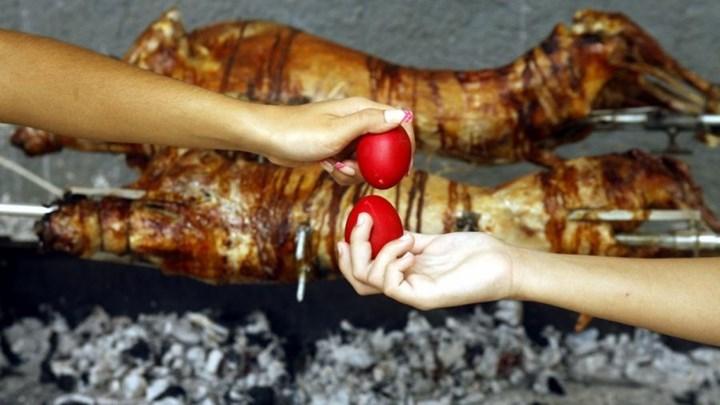 """""""Φρένο"""" στην... επιχείρηση """"Πάσχα στο χωριό"""": Γιορτές με μέτρα... Χριστουγέννων; - Τι εξετάζεται"""