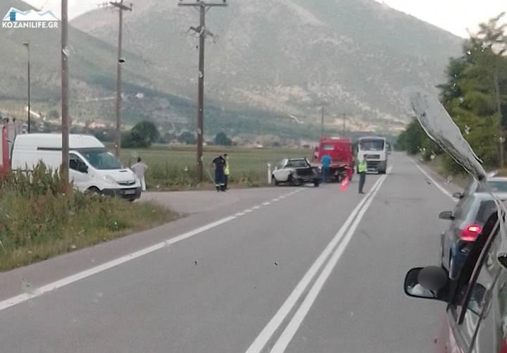 Τροχαίο ατύχημα έξω από την Κοζάνη στον δρόμο για Πολύμυλο – Δείτε φωτογραφίες