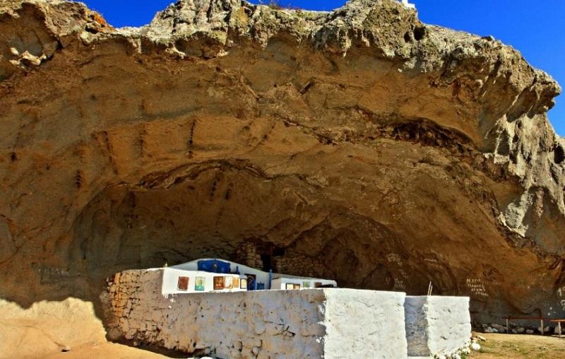 Η Ελληνική εκκλησία χωρίς σκεπή που ξεχωρίζει σε ολόκληρο τον κόσμο